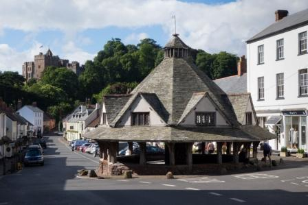 dunster-yarn-market-and-castle-low-res-tony-wright