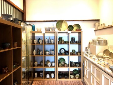 Harbour Gallery and Cafe pottery