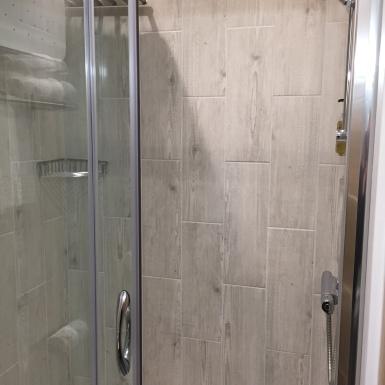 Dbl bathroom